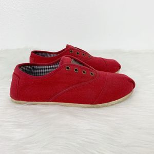 TOMS Red Canvas Women's Lace Up Shoes Lightweight